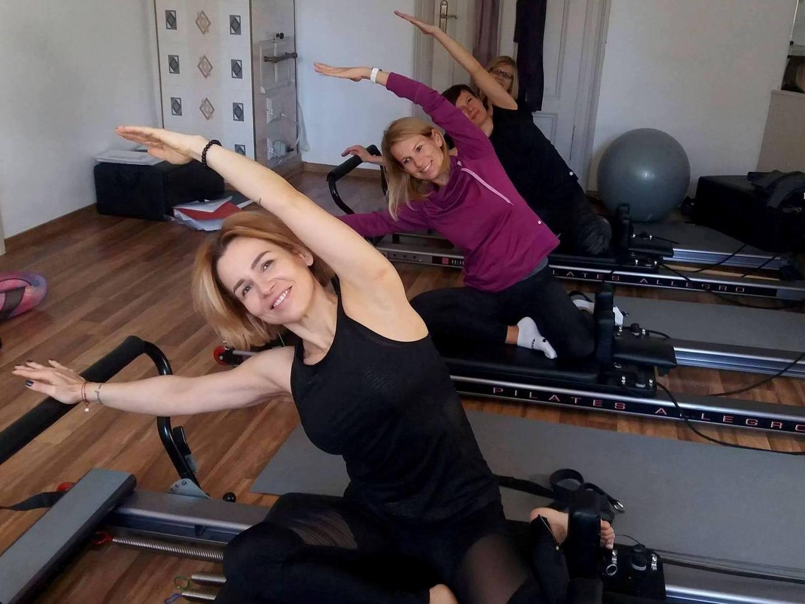 zjęcie grupy trio na reformerze pilates